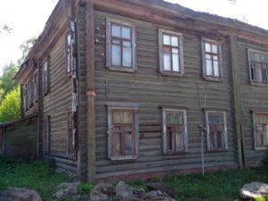 Реставрация и восстановление разрущенных памятников, храмов.